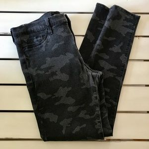 Hudson Nico Midrise Super Skinny Jeans Black Gray